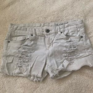 Blank NYC white cut off shorts size 26